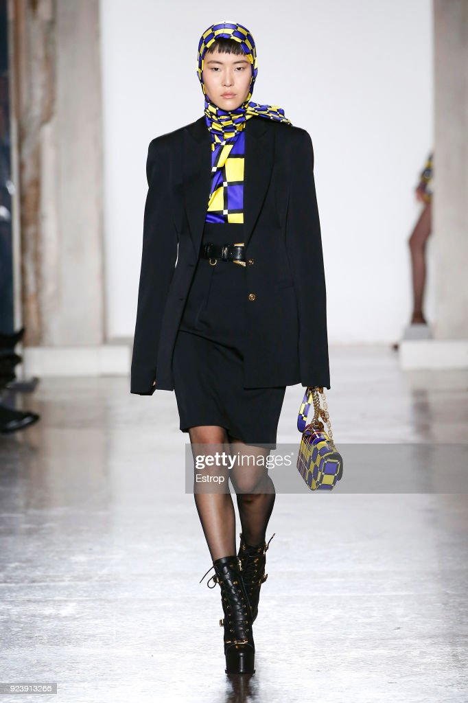 Versace - Runway - Milan Fashion Week Fall/Winter 2018/19 : Nachrichtenfoto