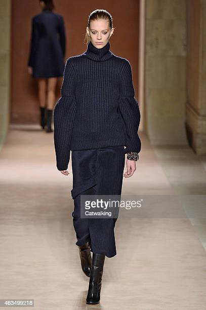 A model walks the runway at the Victoria Beckham Autumn Winter 2015 fashion show during New York Fashion Week on February 15 2015 in New York United...