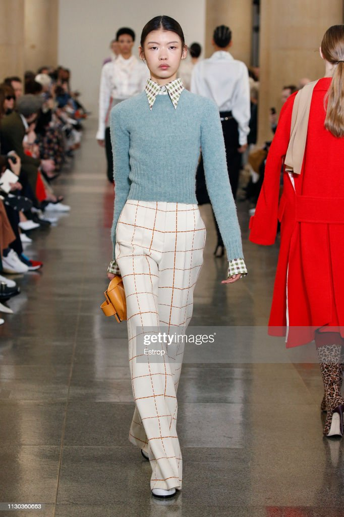 Victoria Beckham - Runway - LFW February 2019 : News Photo