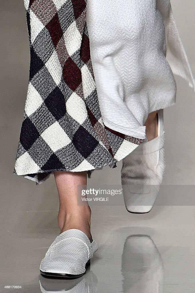 Victoria Beckham - Runway - Spring 2016 New York Fashion Week : News Photo