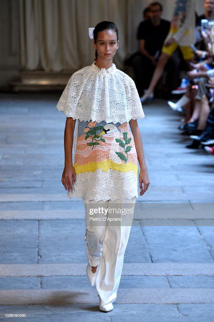 Vivetta - Runway - Milan Fashion Week Spring/Summer 2019 : Photo d'actualité