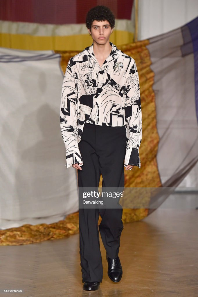 Wales Bonner - Mens Fall 2018 Runway - London Menswear Fashion Week : Foto jornalística