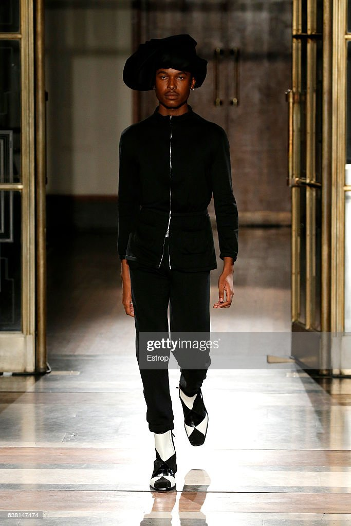 Wales Bonner - Runway - LFW Men's January 2017 : News Photo