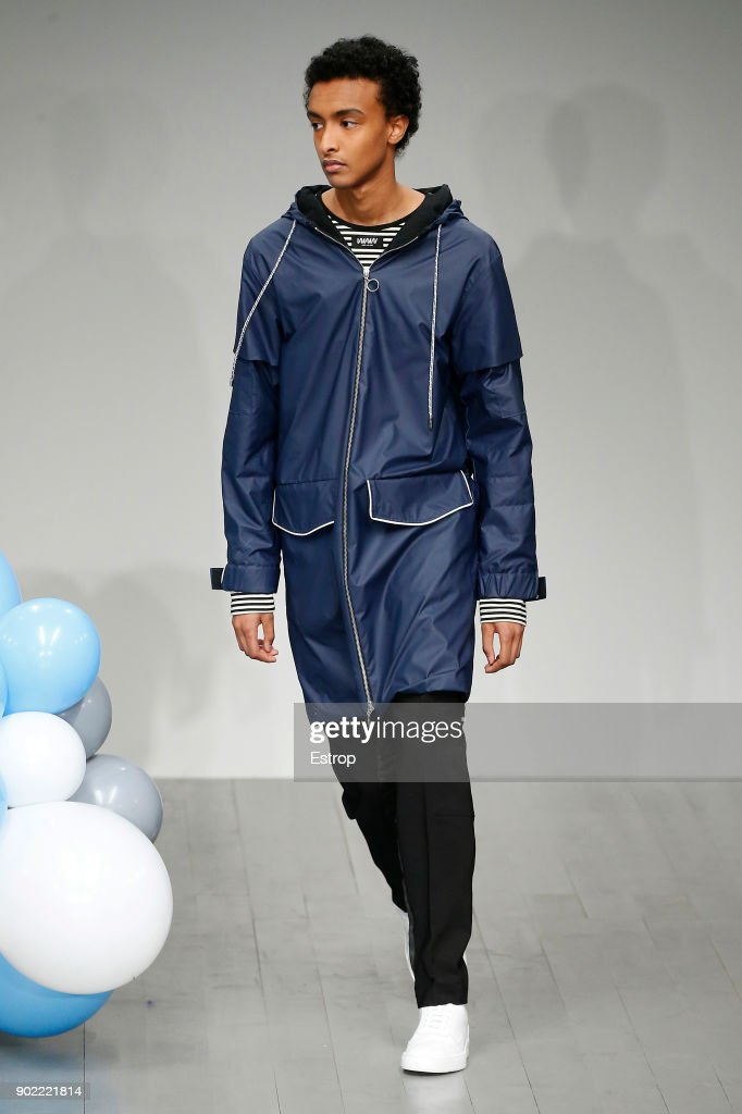 What We Wear - Runway - LFWM January 2018 : ニュース写真