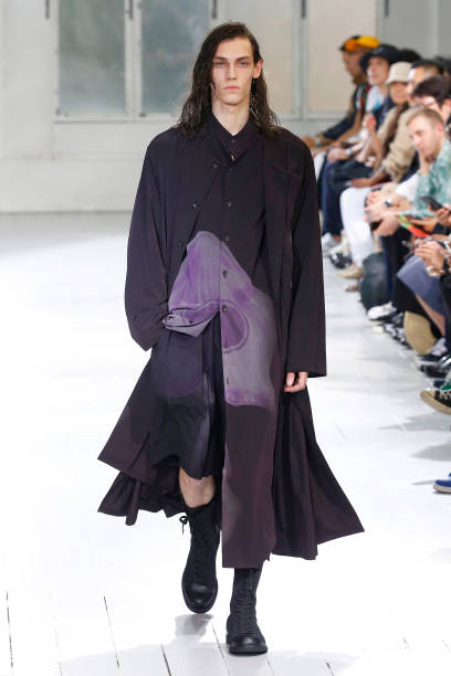 FRA: Yohji Yamamoto : Runway - Paris Fashion Week - Menswear Spring/Summer 2020