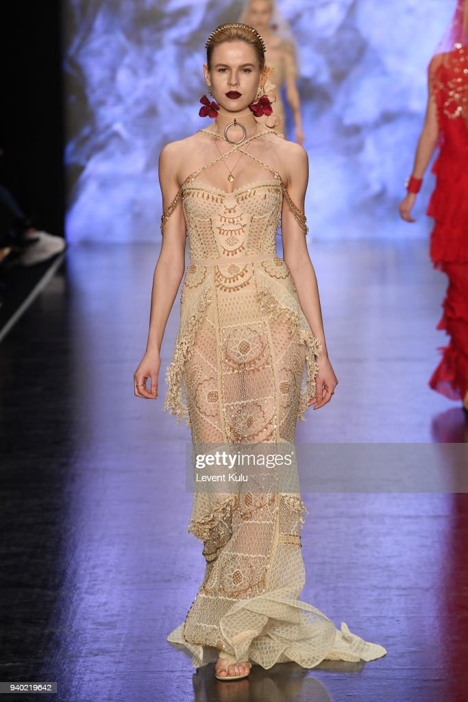 A model walks the runway at the Zeynep Tosun show during Mercedes Benz Fashion Week Istanbul at Zorlu Performance Hall on March 30, 2018 in Istanbul, Turkey.