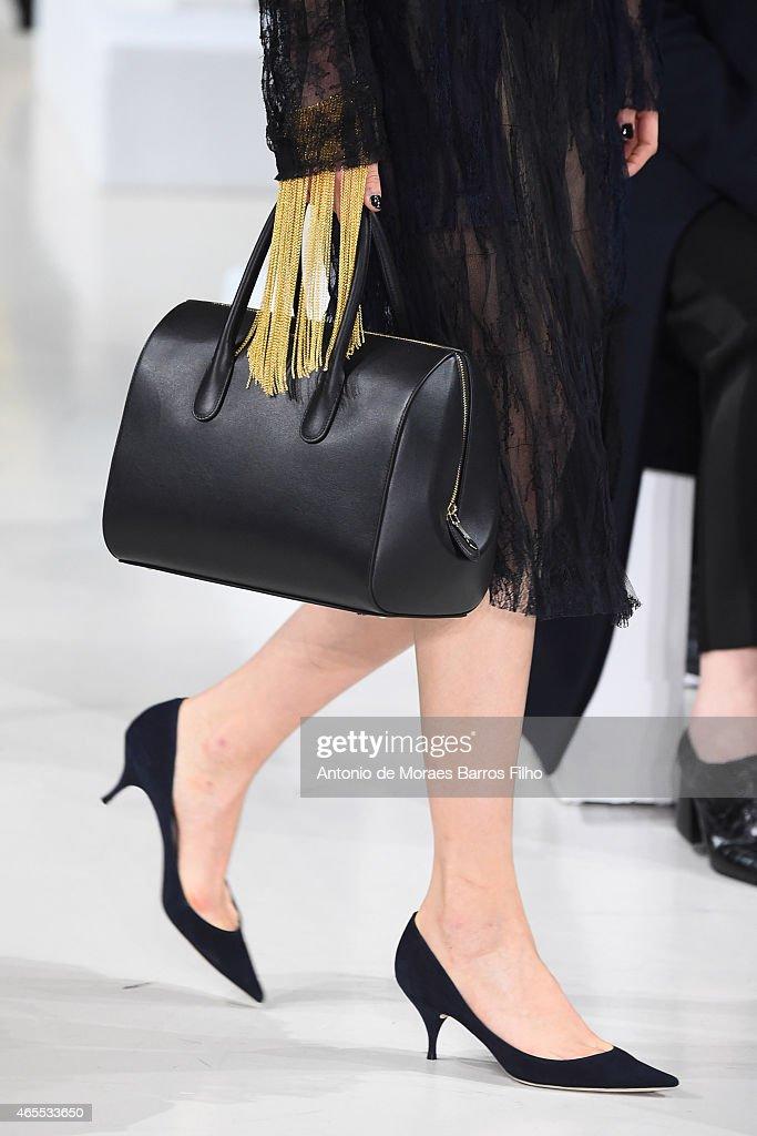 Nina Ricci : Runway - Paris Fashion Week Womenswear Fall/Winter 2015/2016 : News Photo