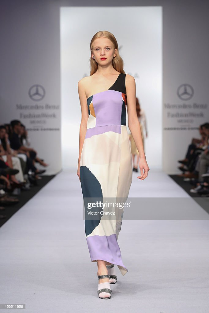 Alejandra Quesada - Mercedes-Benz Fashion Week Mexico Spring/Summer 2015 : Fotografía de noticias