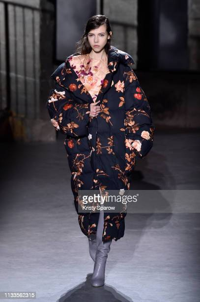 Model walks the runway during Dries Van Noten show as part of Paris Fashion Week Womenswear Fall/Winter 2019/2020 on February 27, 2019 in Paris,...