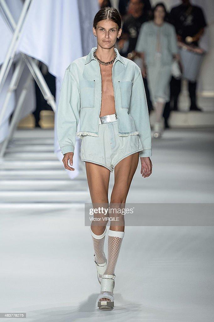 Ellus - Sao Paulo Fashion Week Spring Summer 2014/2015 : News Photo