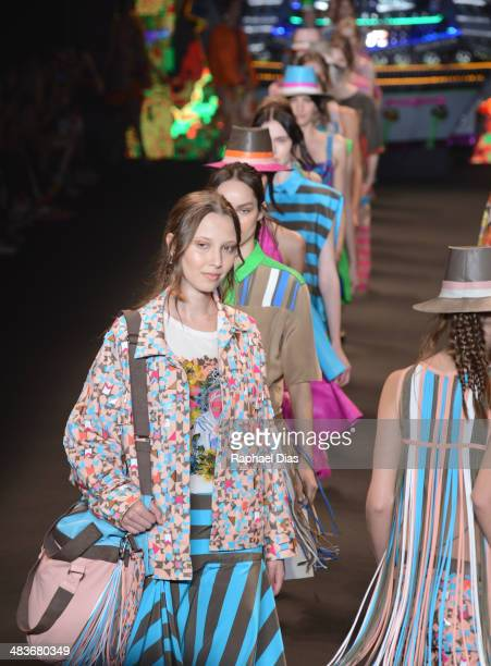 Model walks the runway during Espaco Fashion show at Fashion Rio Summer 2014/2015 at Marina da Gloria on April 9, 2014 in Rio de Janeiro, Brazil.