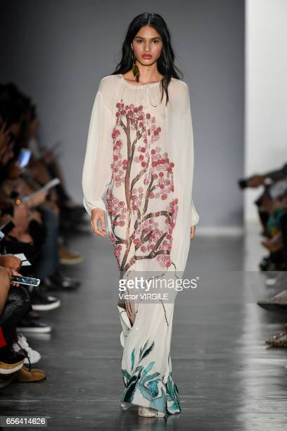 A model walks the runway during Fabiana Milazzo fashion show as part of Sao Paulo Fashion Week Summer 2017 on March 15 2017 in Sao Paulo Brazil