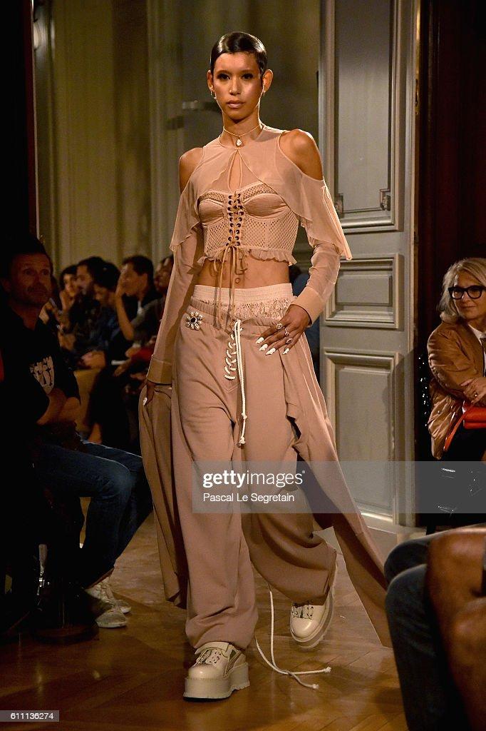 FENTY x PUMA by Rihanna : Runway - Paris Fashion Week Spring/Summer 2017 : News Photo