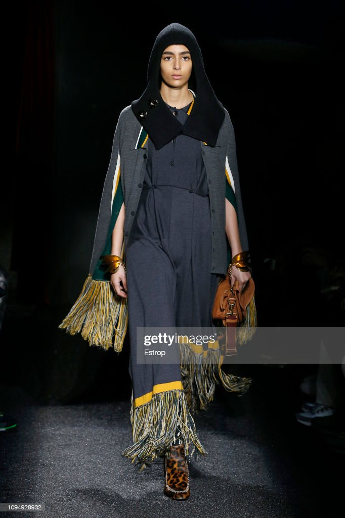 JW Anderson : Runway - Paris Fashion Week - Menswear F/W 2019-2020 : ニュース写真