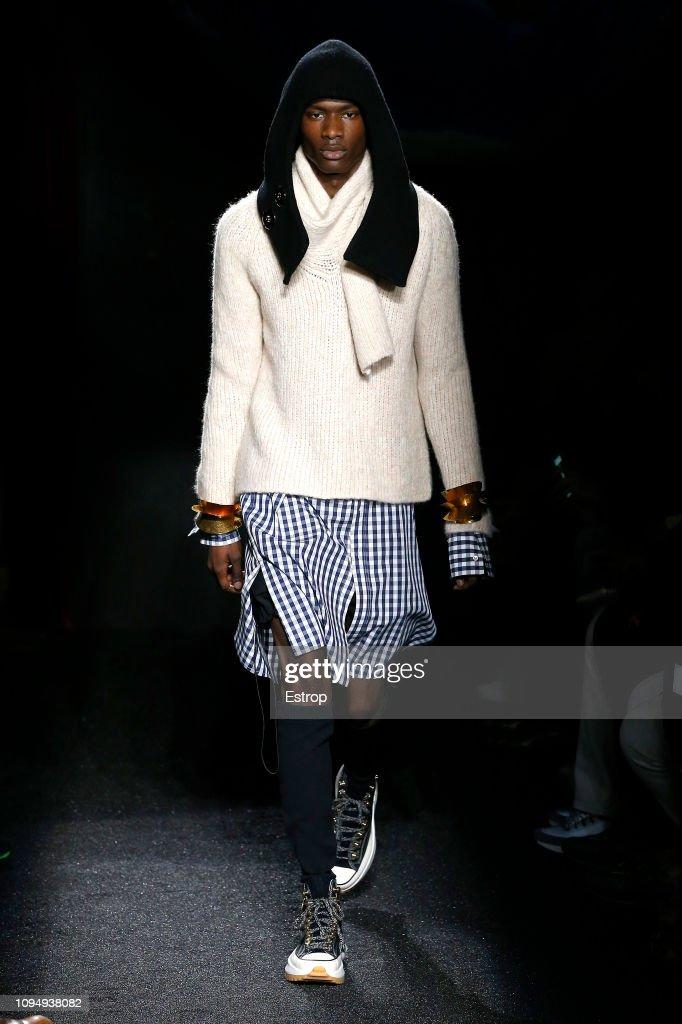 JW Anderson : Runway - Paris Fashion Week - Menswear F/W 2019-2020 : ニュース写真