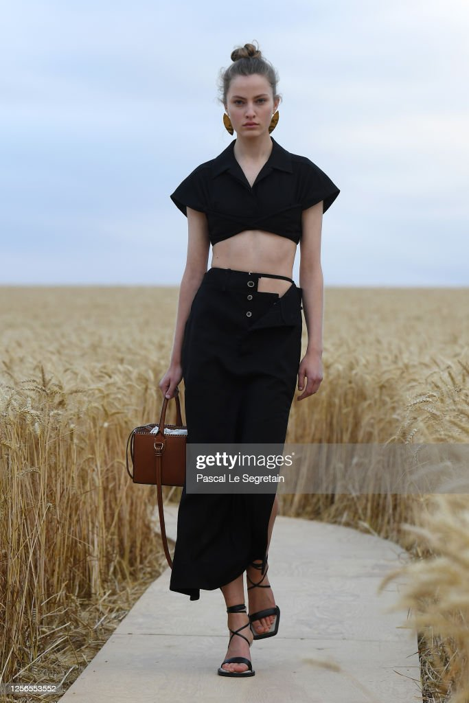 """""""L'Amour"""" : Jacquemus Spring-Summer 2021 Show : News Photo"""