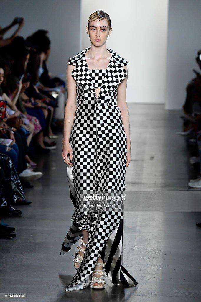 Son Jung Wan - Runway - September 2018 - New York Fashion Week: The Shows : News Photo
