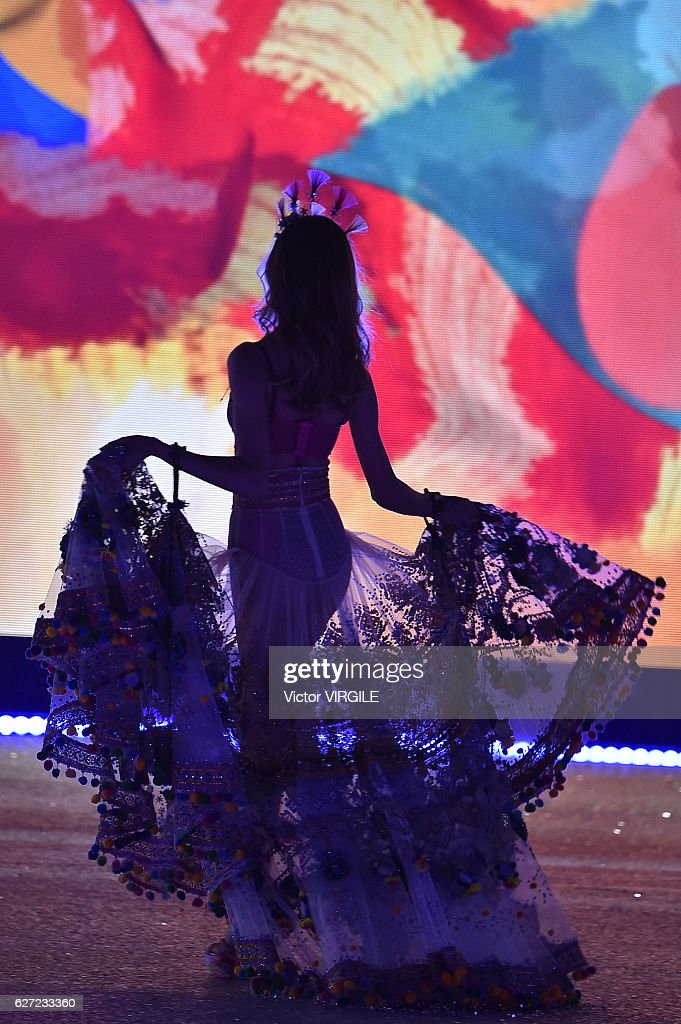 A model walks the runway during the 2016 Victoria's Secret Fashion Show on November 30, 2016 in Paris, France.