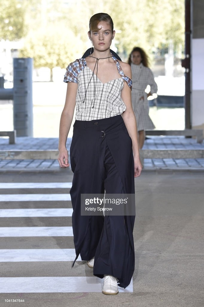 model-walks-the-runway-during-the-aalto-show-as-part-of-paris-fashion-picture-id1041347544