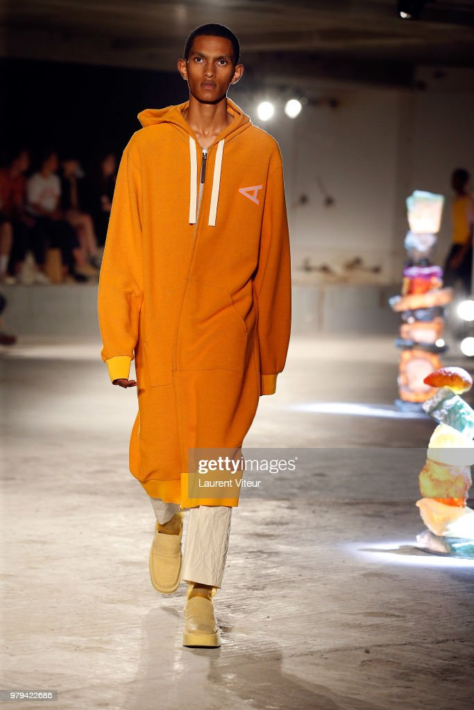Acne Studio : Runway - Paris Fashion Week - Menswear Spring/Summer 2019
