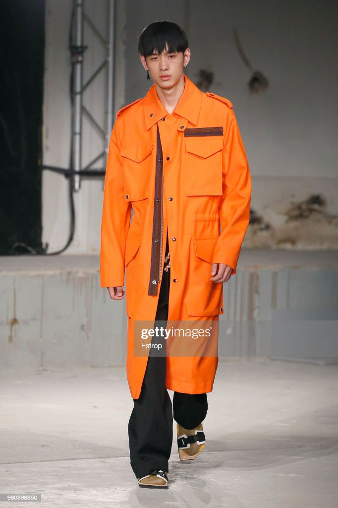 Acne Studio : Runway - Paris Fashion Week - Menswear Spring/Summer 2019 : ニュース写真