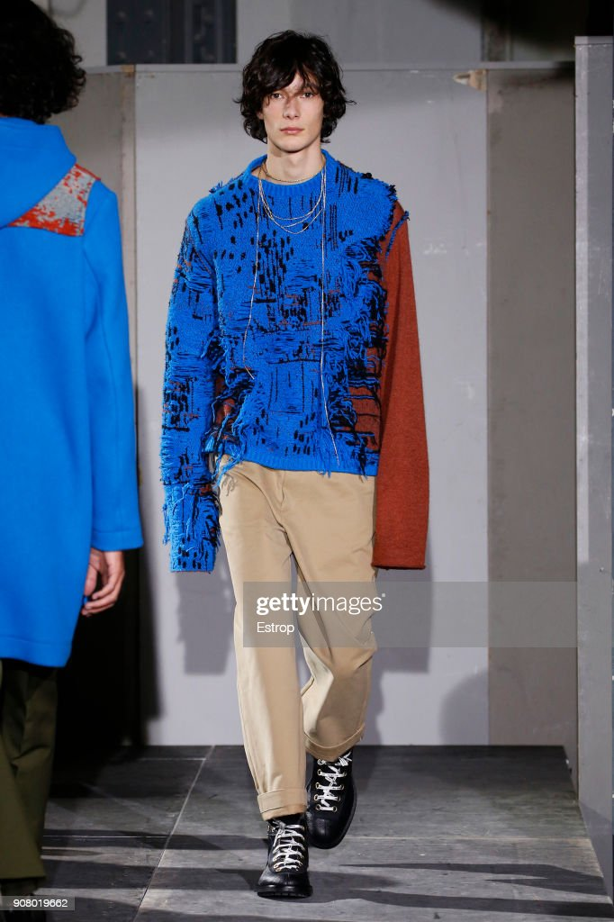Acne Studios : Runway - Paris Fashion Week - Menswear F/W 2018-2019 : ニュース写真