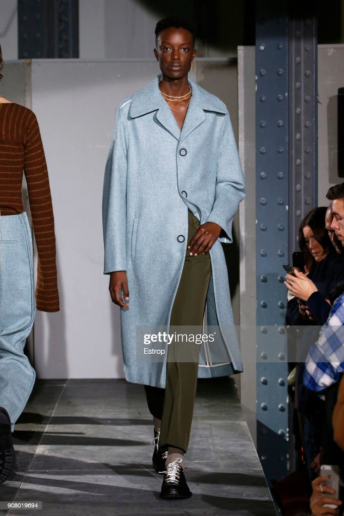 Acne Studios : Runway - Paris Fashion Week - Menswear F/W 2018-2019 : News Photo