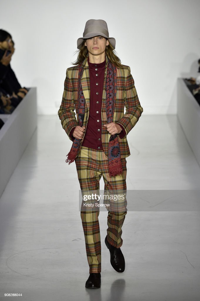 Agnes B : Runway - Paris Fashion Week - Menswear F/W 2018-2019
