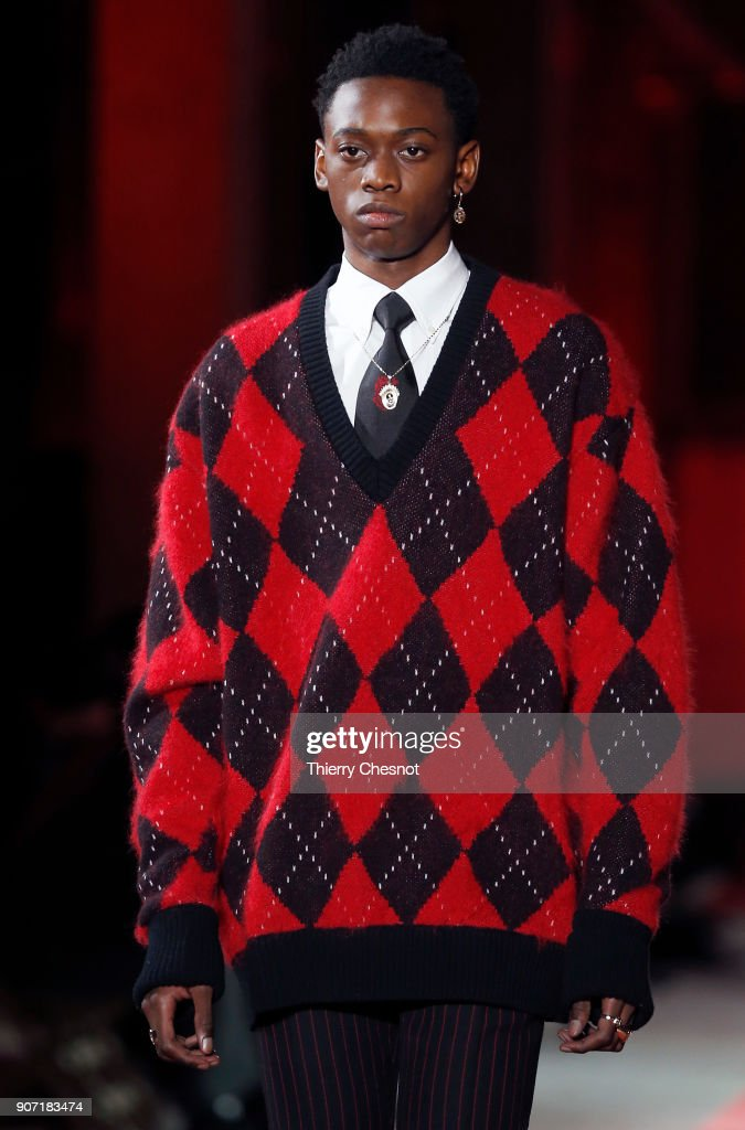 Alexander McQueen : Runway - Paris Fashion Week - Menswear F/W 2018-2019
