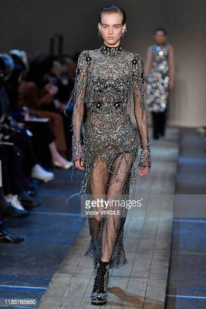 A model walks the runway during the Alexander McQueen Ready to Wear fashion show as part of the Paris Fashion Week Womenswear Fall/Winter 2019/2020...