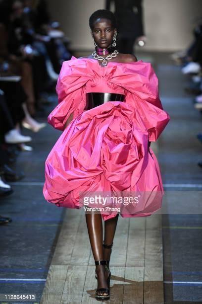 Model walks the runway during the Alexander McQueen show as part of the Paris Fashion Week Womenswear Fall/Winter 2019/2020 on March 4, 2019 in...