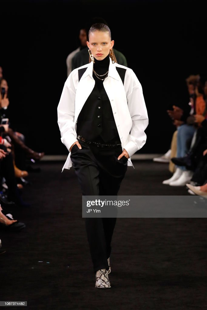 Alexander Wang Fall 2019 - Runway : ニュース写真