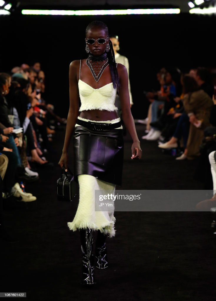 Alexander Wang Fall 2019 - Runway : ニュース写真