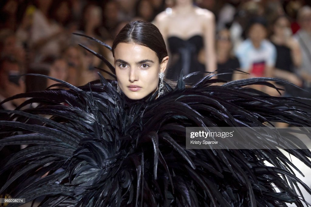 Alexandre Vauthier : Runway - Paris Fashion Week - Haute Couture Fall/Winter 2018-2019 : ニュース写真