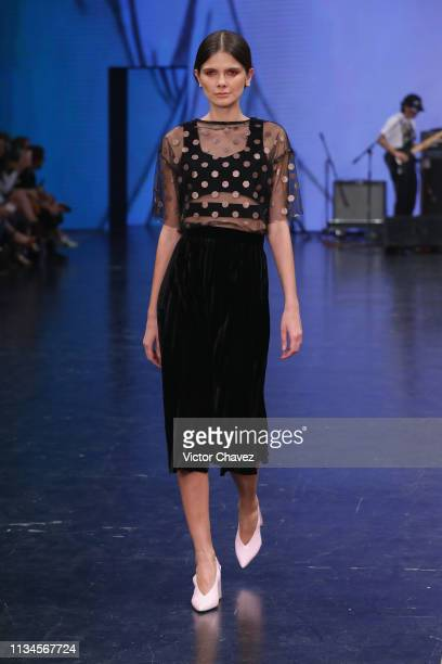 A model walks the runway during the Alexia Ulibarri fashion show as part of the MercedesBenz Fashion Week Mexico Fall/Winter 2019 Day 2 at Fronton...