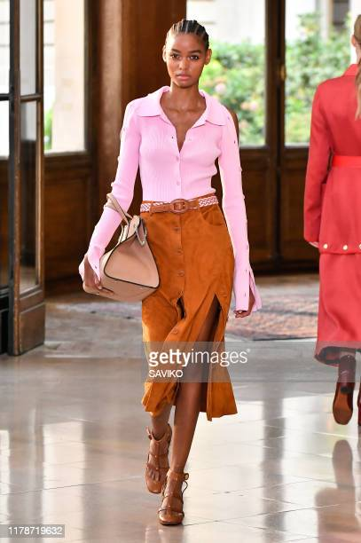 Model walks the runway during the Altuzarra Ready to Wear Spring/Summer 2020 fashion show as part of Paris Fashion Week on September 28, 2019 in...