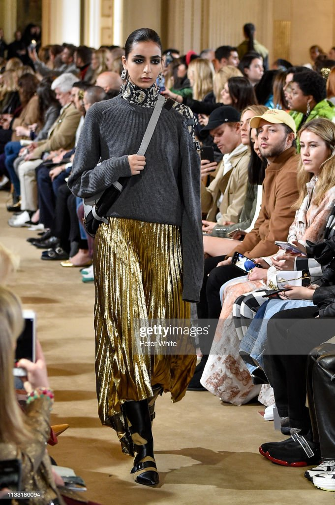 model-walks-the-runway-during-the-altuzarra-show-as-part-of-the-paris-picture-id1133186094