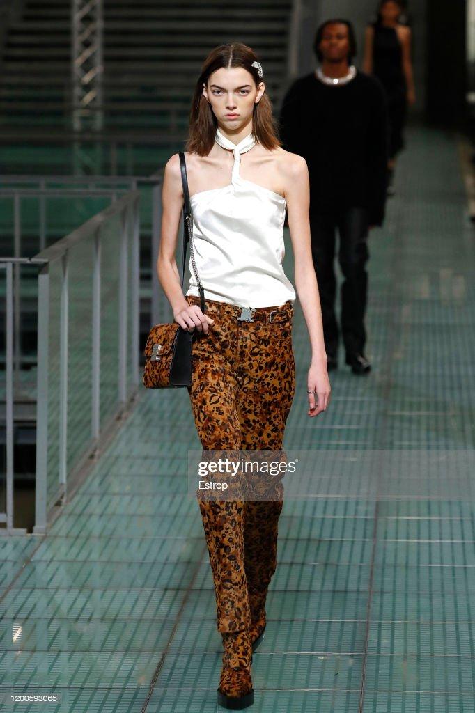 Alyx : Runway - Paris Fashion Week - Menswear F/W 2020-2021 : ニュース写真