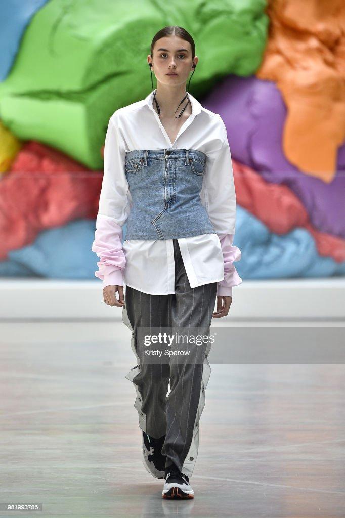 Andrea Crews: Runway - Paris Fashion Week - Menswear Spring/Summer 2019