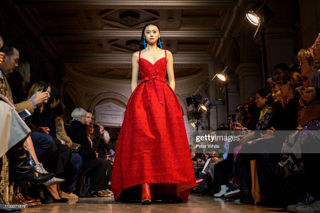 Andrew GN : Runway - Paris Fashion Week Womenswear Fall/Winter 2019/2020 : News Photo
