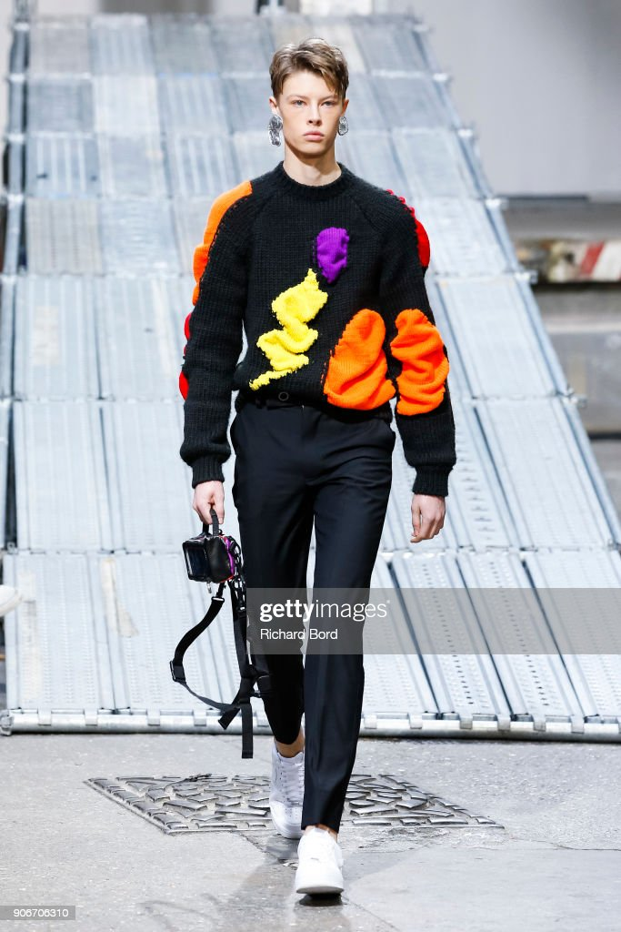 Angus Chiang : Runway - Paris Fashion Week - Menswear F/W 2018-2019