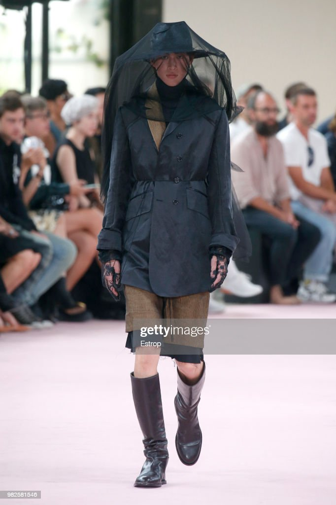 Ann Demeulemeester: Runway - Paris Fashion Week - Menswear Spring/Summer 2019