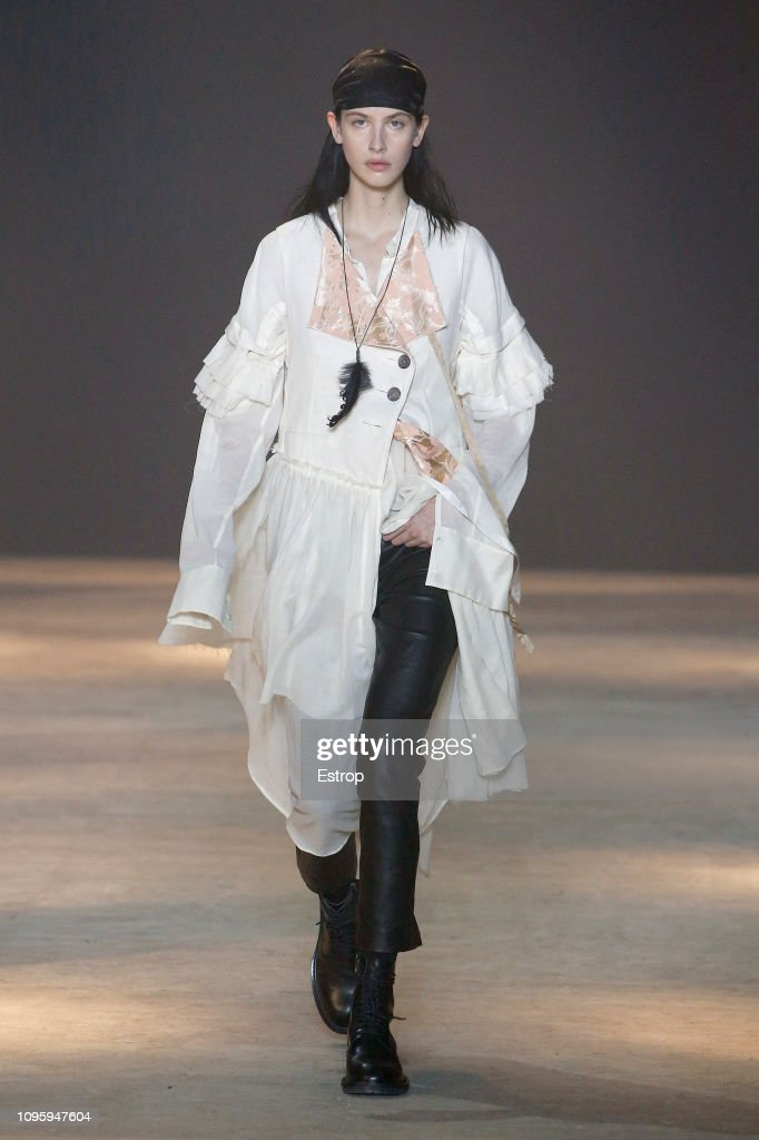 Ann Demeulemeester : Runway - Paris Fashion Week - Menswear F/W 2019-2020 : ニュース写真