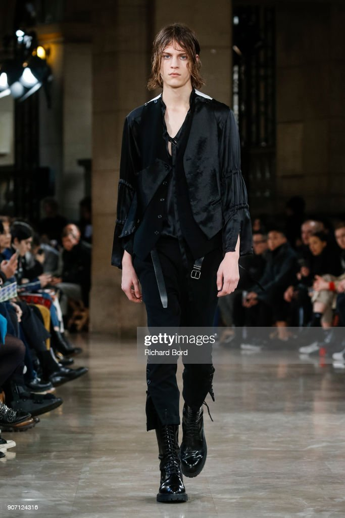 Ann Demeulemeester : Runway - Paris Fashion Week - Menswear F/W 2018-2019