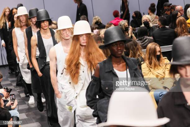 Model walks the runway during the Ann Demeulemeester Womenswear Spring/Summer 2022 show as part of Paris Fashion Week on October 3, 2021 in Paris,...