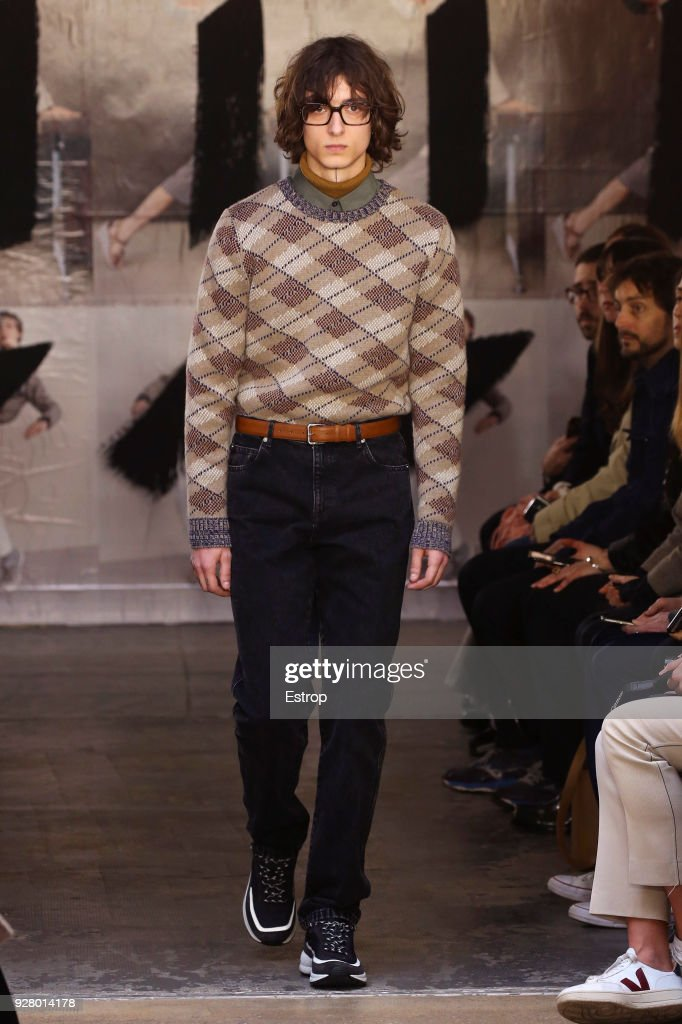 A.P.C : Runway - Paris Fashion Week Womenswear Fall/Winter 2018/2019 : News Photo