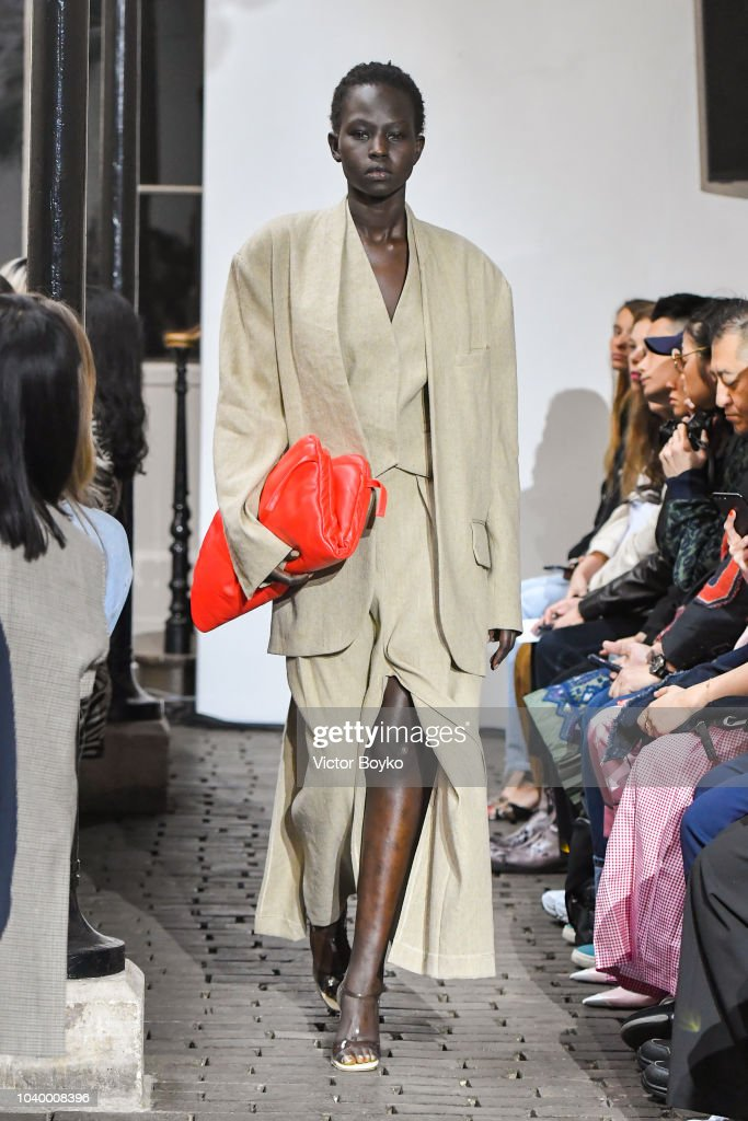 A.W.A.K.E : Runway - Paris Fashion Week Womenswear Spring/Summer 2019 : News Photo