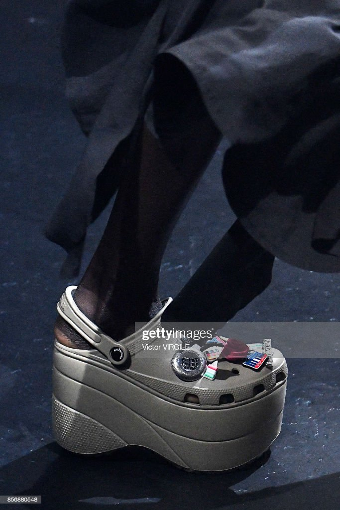 Balenciaga : Runway - Paris Fashion Week Womenswear Spring/Summer 2018 : News Photo