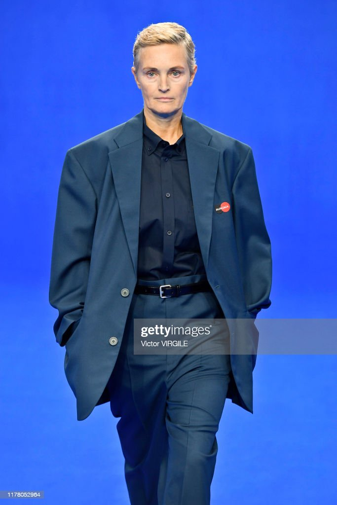 Balenciaga : Runway - Paris Fashion Week - Womenswear Spring Summer 2020 : Foto di attualità