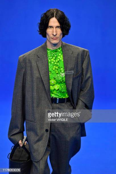 Model walks the runway during the Balenciaga Ready to Wear Spring/Summer 2020 fashion show as part of Paris Fashion Week on September 29, 2019 in...